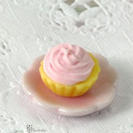 PINK & CHESTNUT CUPCAKE MINIATURE LATI YELLOW BARBIE FASHION ROYALTY BLYTHE PULLIP DIORAMAS 1:12