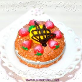 STRAWBERRY CAKE MINIATURE LATI YELLOW BARBIE FASHION ROYALTY BLYTHE PULLIP SYBARITE TONNER FICON JAMIESHOW DIORAMA 1:6