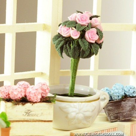 SHABBY CHIC TOPIARY TREE OF PINK ROSES MINIATURE FOR DOLLHOUSE, DIORAMA, LATI YELLOW, FURNITURE 1:12