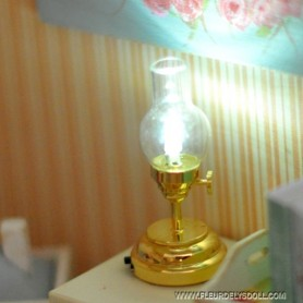 LAMPE A PÉTROLE VINTAGE LED MINIATURE LATI YELLOW BARBIE FASHION ROYALTY BLYTHE PULLIP DIORAMA DOLLHOUSE 1/6 1/12