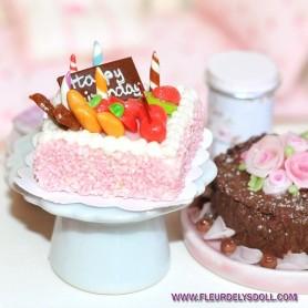 WHITE CERAMIC CAKE STAND MINIATURE LATI YELLOW BARBIE FASHION ROYALTY BLYTHE PULLIP SYBARITE DOLLHOUSE DIORAMA