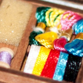 SEWING COUTURE BOX MINIATURE BARBIE FASHION ROYALTY BJD BLYTHE PULLIP LATI YELLOW PUKIFEE DOLLHOUSE DIORAMA