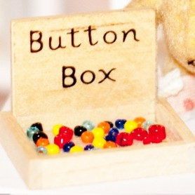 BUTTONS BOX MINIATURE BARBIE FASHION ROYALTY BJD BLYTHE PULLIP LATI YELLOW PUKIFEE DOLLHOUSE DIORAMA
