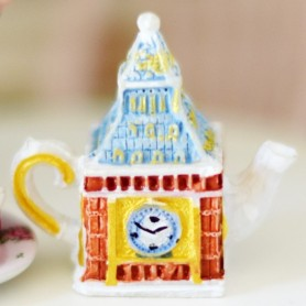 BIG BEN TEAPOT MINIATURE TEA TIME LATI YELLOW BARBIE FASHION ROYALTY BLYTHE PULLIP DIORAMAS....