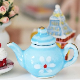 TEAPOT MINIATURE TEA TIME LATI YELLOW BARBIE FASHION ROYALTY BLYTHE PULLIP DIORAMAS....