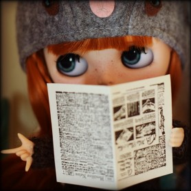 4 PRINTED NEWSPAPERS MINIATURE BARBIE FASHION ROYALTY BJD BLYTHE PULLIP LATI YELLOW PUKIFEE DOLLHOUSE DIORAMA