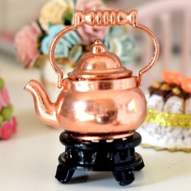 MINIATURE COPPER KETTLE ON TRIVET LATI YELLOW BARBIE FASHION ROYALTY BLYTHE PULLIP DIORAMA DOLLHOUSE