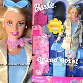 BARBIE GRAND HOTEL AND MANY ACCESSORIES