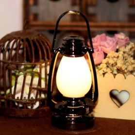 LANTERNE LAMPE A PÉTROLE VINTAGE LED MINIATURE LATI YELLOW BARBIE FASHION ROYALTY BLYTHE PULLIP DIORAMA DOLLHOUSE 1/6 1/12