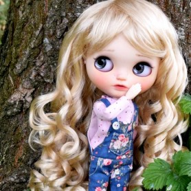 BLOND LONG CURLS DOLL WIG 9-10 FOR BLYTHE AND NEO BLYTHE DOLLS