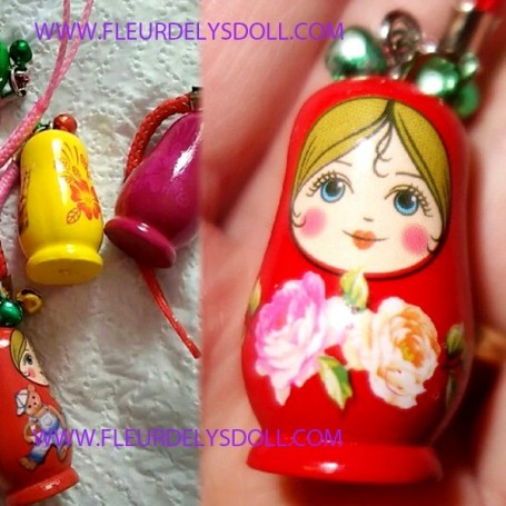 MINIATURE RUSSIAN DOLL KEYCHAIN FOR BJD DOLLS BARBIE BLYTHE PULLIP DIORAMA DOLLHOUSE 1/6 TONNER SYBARITE