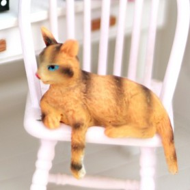 LOVELY TABBY CAT MINIATURE BARBIE FASHION ROYALTY LATI YELLOW PUKIFEE BJD BLYTHE PULLIP DOLLHOUSE DIORAMA DOLL