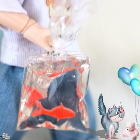 LOVELY MINIATURE FISH IN WATER BAG STODOLL OB11 PUKIFEE BJD LATI YELLOW BARBIE BLYTHE PULLIP DIORAMA DOLLHOUSE