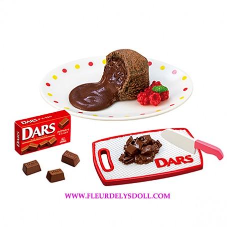 RE-MENT REMENT MINIATURE MORINAGA DARS CHOCOLATE CAKE TRAY KNIFE AND CHOCOLATES BJD DOLLS BLYTHE BARBIE