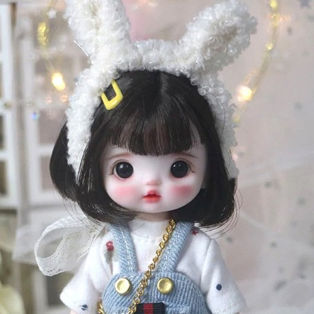 LOVELY AMELIE DOLL 16 CM FULLY ARTICULATED + OUTFIT + WIG + SHOES LATI YELLOW SIZE
