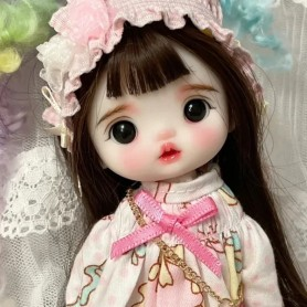 LOVELY GERANIUM DOLL 16 CM FULLY ARTICULATED + OUTFIT + WIG + SHOES LATI YELLOW SIZE