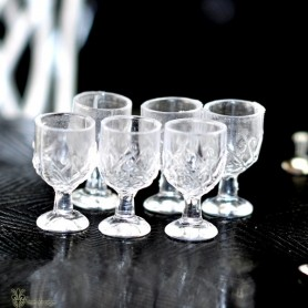 CRISTAL GLASS OF WINE OR WATER MINIATURE FOR BARBIE SILKSTONE FASHION ROYALTY SYBARITE TONNER BJD...