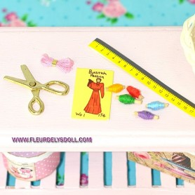 COUTURE SEWING KIT MINIATURE LATI YELLOW BJD BARBIE FASHION ROYALTY BLYTHE PULLIP DIORAMAS DOLLHOUSE 1:12