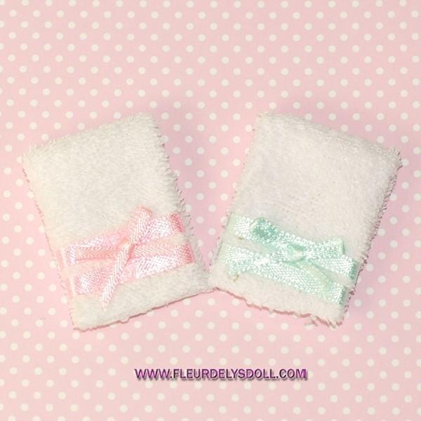 DOLLHOUSE BATH TOWELS// YELLOW