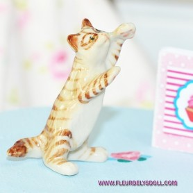 LOVELY CAT KITTY MINIATURE BARBIE FASHION ROYALTY LATI YELLOW PUKIFEE BJD BLYTHE PULLIP DOLLHOUSE DIORAMA DOLL
