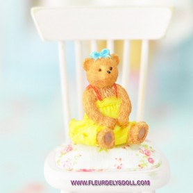 LOVELY RESIN BEAR MINIATURE LATI YELLOW BARBIE FASHION ROYALTY BLYTHE PULLIP PUKIFEE DIORAMA 1:6